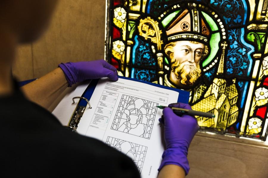 Expo en reportage omtrent restauratie glasramen in de Sint-Jacobskerk Antwerpen