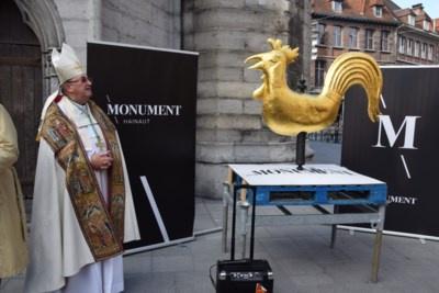 Le coq au vent retourne a la cathedrale Notre-Dame de Tournai