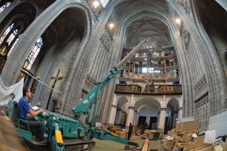 Mons lorgue est de retour a la collegiale Sainte-Waudru