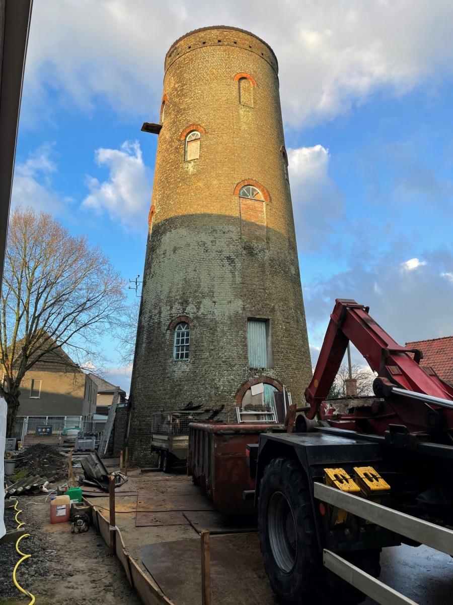 Renovatiewerken aan molen op site Acke gestart Oudenburg